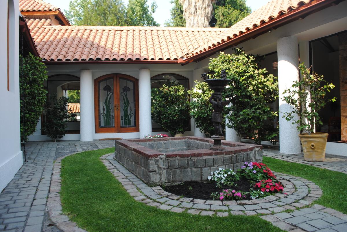 Compra venta y arriendo propiedades inmobiliarias vende - Fotos de casas estilo colonial espanol ...